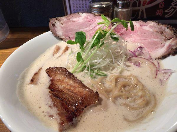 「特製鶏とろみそば 830円」@麺屋 甚八の写真