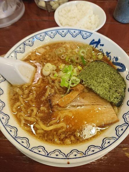 「ばんから 700円 太麺 脂少な目 ライス(無料)」@東京豚骨拉麺 ばんから 熊谷店の写真