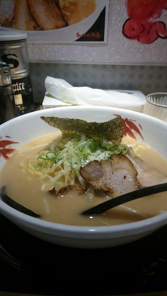 「あごだしラーメン」@らーめん世界 小松店の写真
