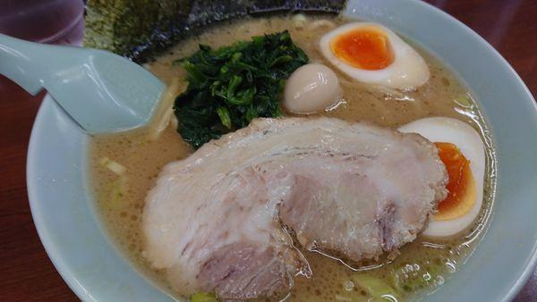 「醤油+味玉」@ラーメン三國家の写真