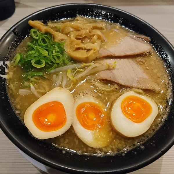「鶏白湯ラーメン750 味玉100」@伍光の写真
