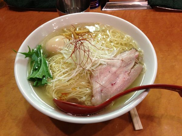 「香彩鶏だし塩ラーメン」@麺屋 翔 本店の写真