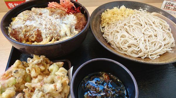 「満腹かつ丼セット+秋野菜とあさりのかきあげ」@ゆで太郎 入間宮寺店の写真