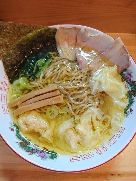 「ワンタン麺 (白醤油) 900円」@白河ラーメン 麺や鶏正の写真