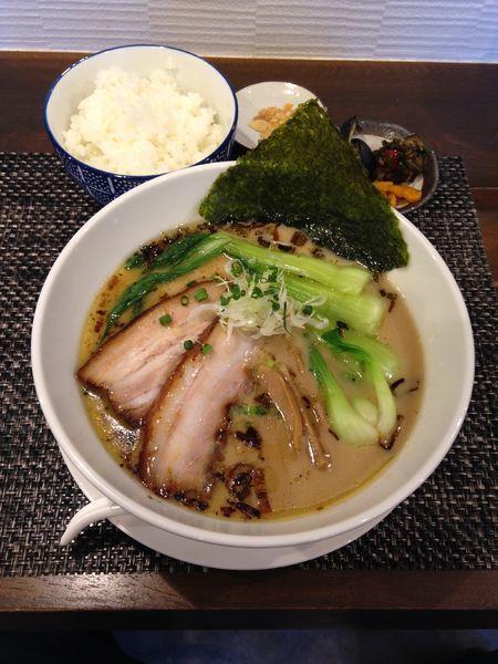 「醤油白湯麺 ライス」@麺屋 奥右衛門の写真