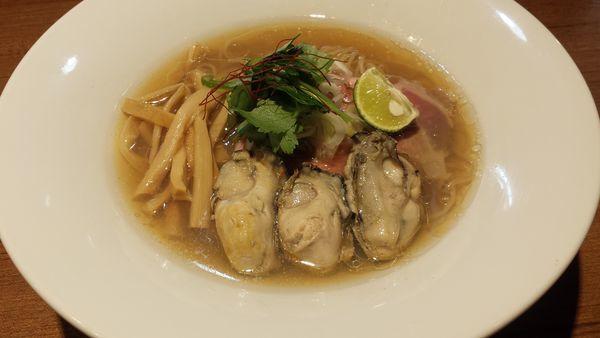 「牡蛎そば880円」@寿製麺よしかわ 川越店の写真