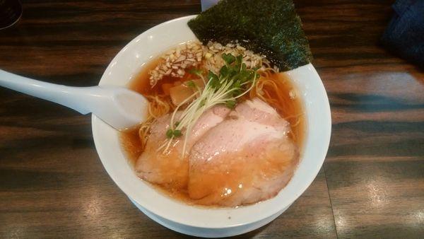 「醤油ラーメン(細麺)」@稲荷屋の写真