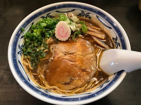 「豚骨アジ節 醤油  650円」@ラーメン・餃子 ハナウタの写真