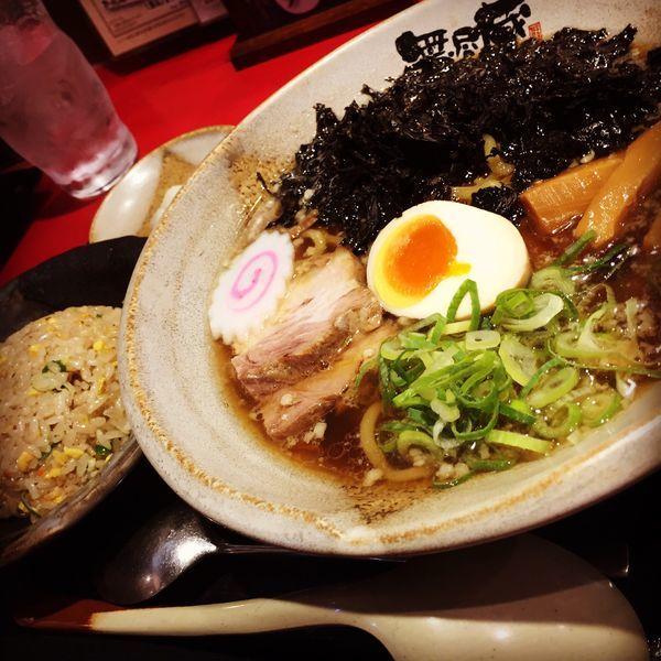 「荒磯のりラーメン 半チャーハンセット」@越後秘蔵麺 無尽蔵 花園家の写真