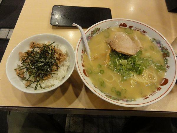 「肉Cランチ(こっさり)麺硬め 830円 瓶ビール530円」@天下一品 蒲田店の写真