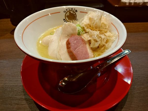 「鶏度MAX醤油らーめん(並盛・110g)1,200円」@らーめんや なかじゅう亭 高崎オーパ店の写真