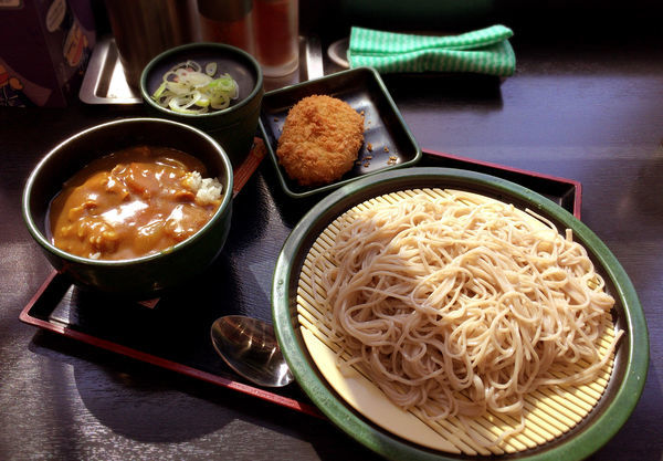 「朝ごはんセット・カレー丼(360円)+コロッケ(クーポン)」@ゆで太郎 人形町2丁目店の写真