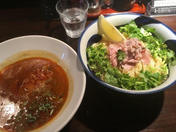 「辣濃辛煮干パクチーつけ麺」@九十九里煮干つけ麺 志奈田の写真