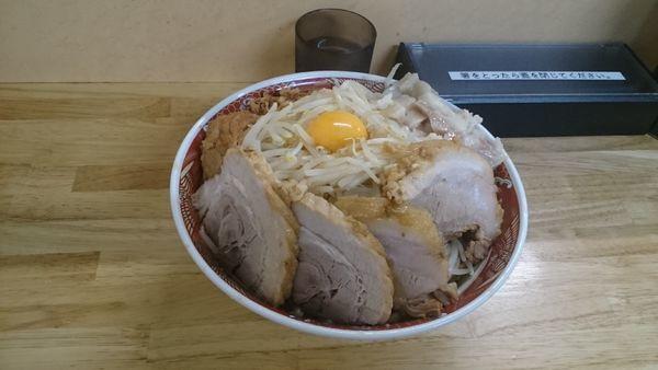 「大ブタ4枚・汁なし(アブラ増し増しヤサイ増し)¥1020」@ラーメン 登良治郎の写真