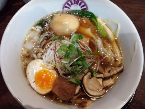 「【限定】伊吹の上煮干しと松茸の熟成醤油ラーメン」@麺のようじの写真