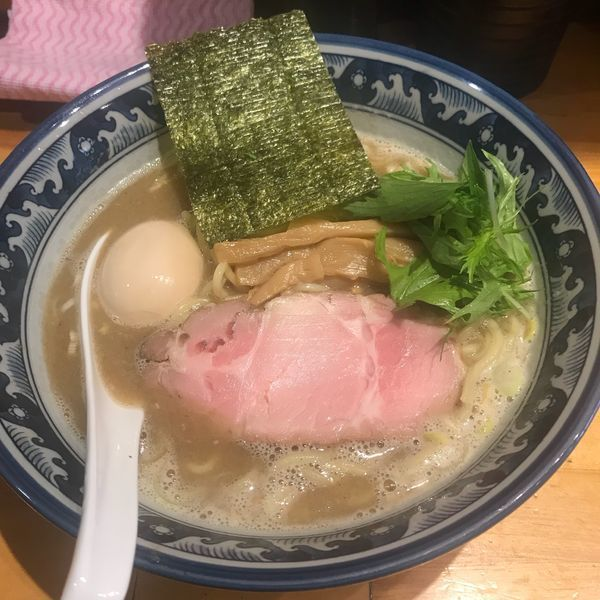 「にぼしらーめん味玉」@○心厨房の写真