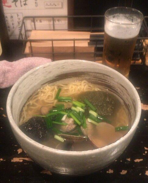 「貝汁そば ちぢれ麺 胡麻にんにく」@ボンゴレ亭の写真