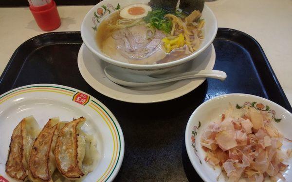 「新日本ラーメン+餃子3個」@餃子の王将 石川町店の写真