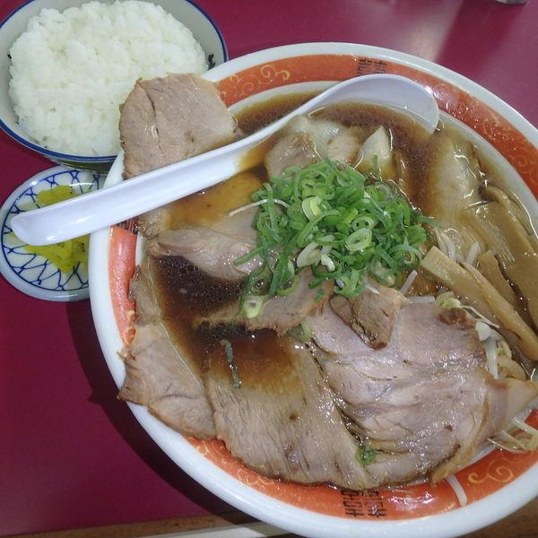 「醤油(中)メンマ入り (750円)、ライス小(150円)」@豚菜館の写真