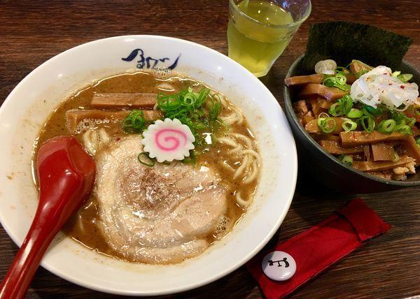 「熟成らー麺+メンマ丼」@麺や紡の写真