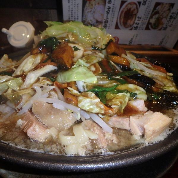 「スタ次郎 (980円)(麺中、野菜多め、脂普通、ニンニク普通」@俺の麺 豚と鳥の写真