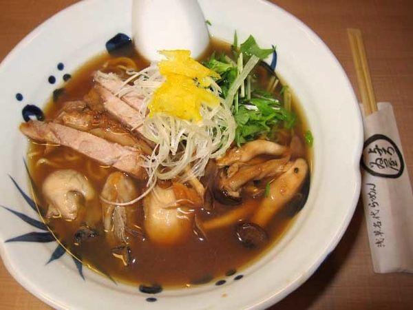 「牡蛎らーめん 950円」@与ろゐ屋の写真