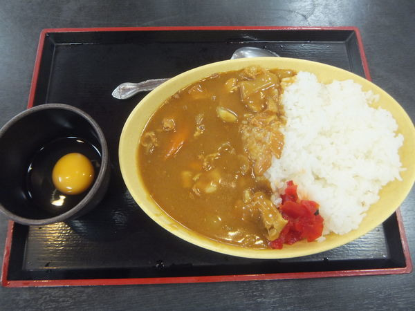 「カレーライス450円(クーポンで生卵サービス)」@ゆで太郎 新橋5丁目店の写真
