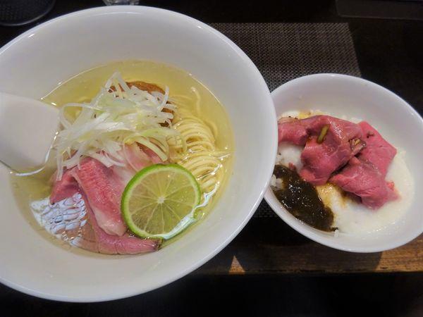 「暁の和牛 1000円 + 麦とろ飯 250円」@神保町黒須の写真