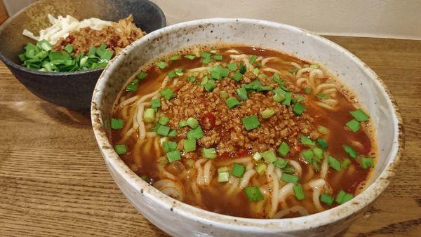 「台湾らーめん(大盛り)+ミニ台湾ミンチ丼」@らーめん 縁の写真