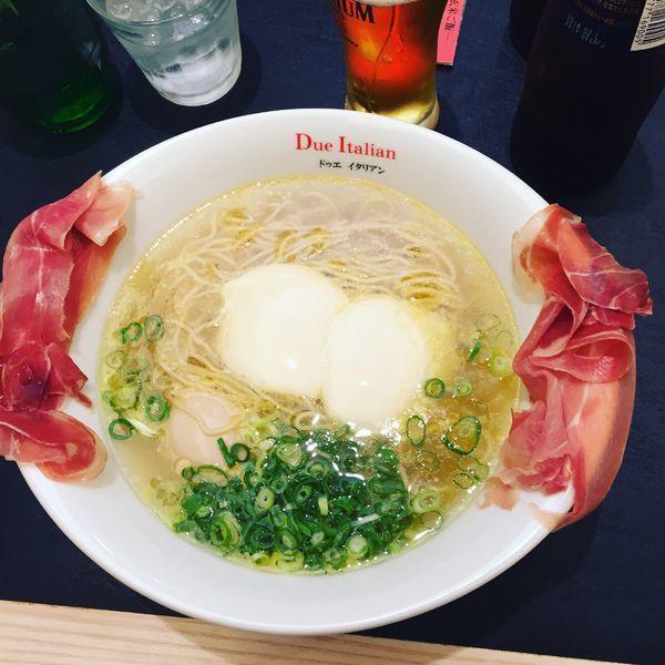 「らぁ麺生ハムフロマージュ」@黄金の塩らぁ麺 due Italian 横浜の写真