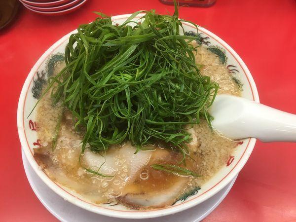 「特製醤油九条ネギラーメン830円(税別)」@ラーメン魁力屋 八潮店の写真