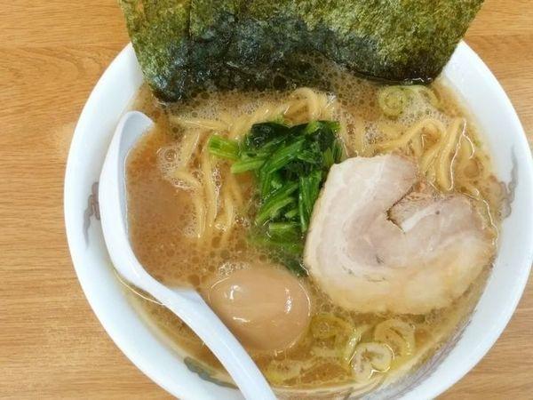 「ラーメン+味付玉子」@たかさご家 関内店の写真