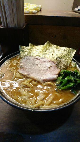 「味噌ラーメン大盛り濃いめ多め」@横浜家系 ぱるぷん亭の写真