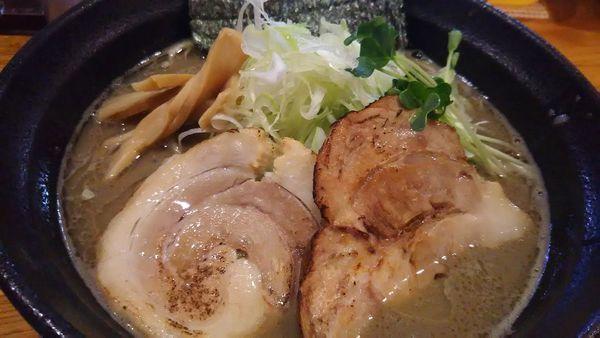 「メガ煮干しラーメン(並) 900円」@麺屋 ひな多の写真