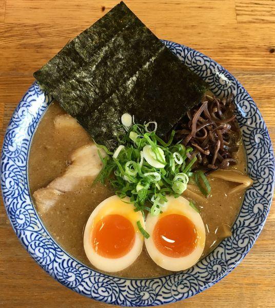 「魚介醤油 (700円) 特製 (200円)」@ひかり食堂の写真
