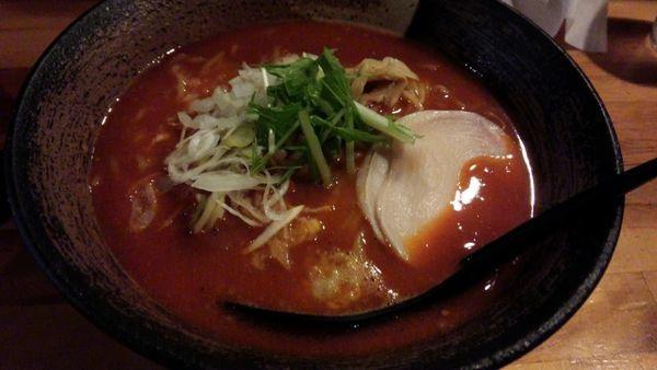 「濃厚辛味噌の激辛」@濃厚鶏そば 麺屋武一 新橋本店の写真