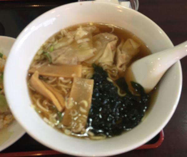 「ワンタンメンと半チャーハンのセット(¥750)」@金龍園の写真