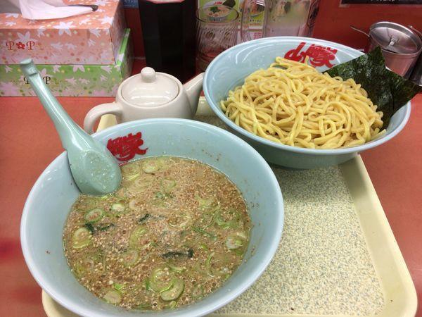 「つけ麺大盛り」@ラーメン山岡家 さいたま宮前店の写真