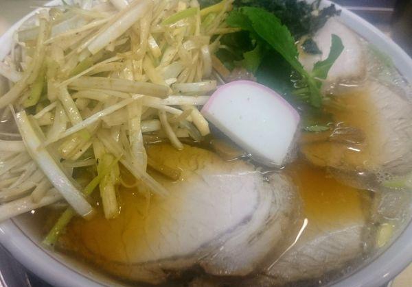 「肉煮干し中華そば+ネギ」@机上の空論の写真