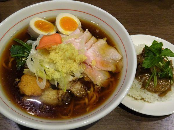 「八咫烏式生姜醤油ラーメン 1000円 + 味噌豚ごはん」@八咫烏の写真