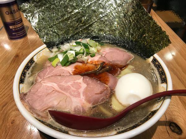 「すごい煮干しラーメン 特製」@すごい煮干ラーメン凪 五反田西口店の写真
