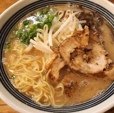 「博多とんこつ 白(ノーマル) かた ¥650」@Ramen Dining TOKOTONの写真