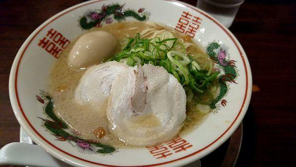 「半熟味付玉子ラーメン」@久留米ラーメン 福ヤ 南越谷店の写真