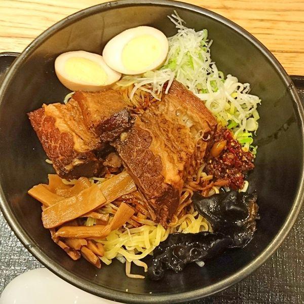 「厚切り肉牛バラ担々麺 特製汁なし1274」@宙寅屋 東京ソラマチ店の写真