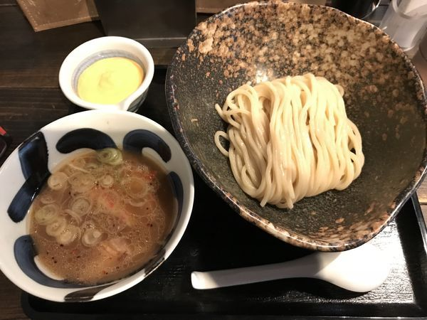 「濃厚チーズソースつけめん(太麺、並、冷もり)」@三ツ矢堂製麺 中目黒本店の写真