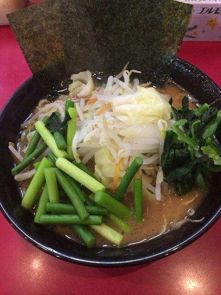 「並 野菜 ニンニクの芽 油少なめ」@杉田家 千葉店の写真