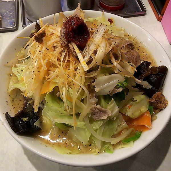 「みそたんめん(太麺・小)+ピリ辛白髪ネギ」@麺処 まるよし商店の写真