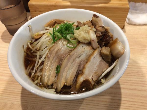 「【限定】ガチ盛り醤油Ver」@拉麺 大公の写真