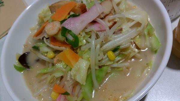 「野菜たっぷり食べるスープ734円」@リンガーハット京急上大岡店の写真