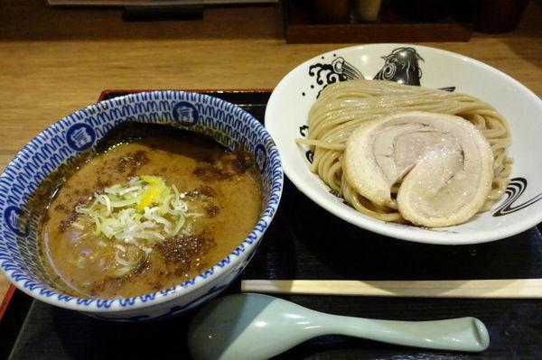 「濃厚魚介豚骨つけ麺880円」@日本の中華そば富田 成田空港店の写真